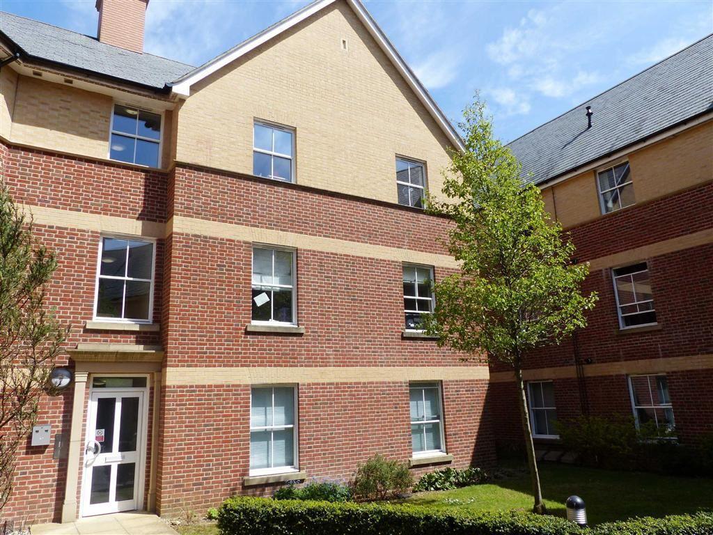 Little Keep Gate, DORCHESTER, Dorset 2 bed apartment for sale - £180,000