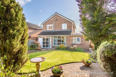 3 bedroom detached house for sale - Dewsbury Avenue, Styvechale Grange, Coventry