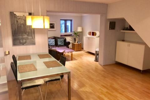 3 bedroom flat for sale - Derwent Road, Raynes Park, Raynes Park, SW20