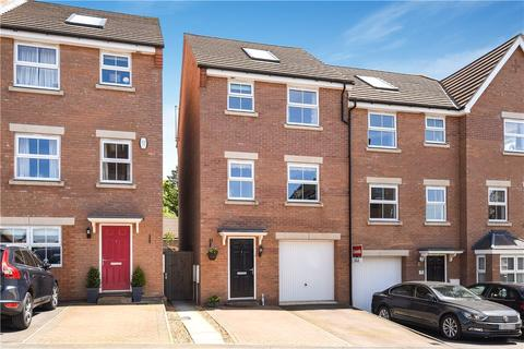 4 bedroom end of terrace house for sale - Foxtail Way, Northampton, Northamptonshire