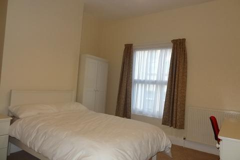 4 bedroom house to rent - Canterbury Street, Coventry