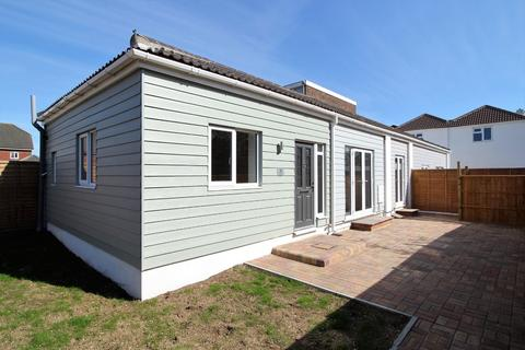 2 bedroom semi-detached bungalow for sale - Highland Road, Southsea