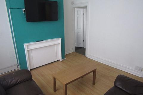4 bedroom terraced house to rent - Connaught Road, Kensington Fields