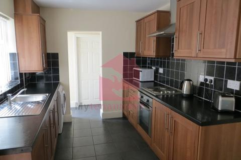 4 bedroom terraced house to rent - Saxony Rd, Kensington Fields