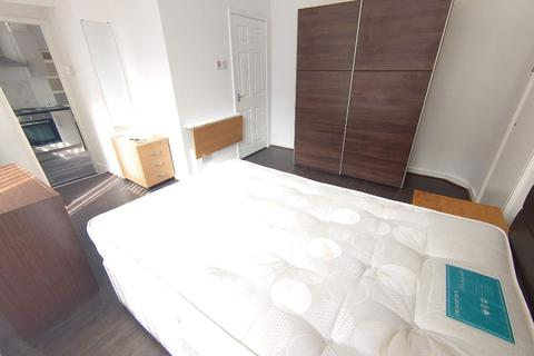 2 bedroom flat to rent - Freehold Street
