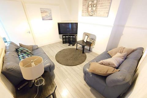 4 bedroom terraced house - Saxony Rd, Kensington Fields