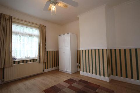 3 bedroom house to rent - Osmund Street, East Acton, W12 0AX