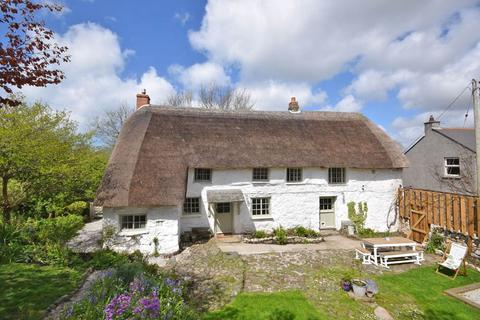 3 bedroom detached house for sale - Mullion, Nr. Helston, Cornwall, TR12