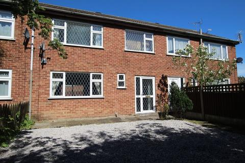 3 bedroom terraced house to rent - Birchwood Road, Alfreton