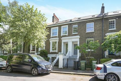 2 bedroom terraced house for sale - Hartington Road, London