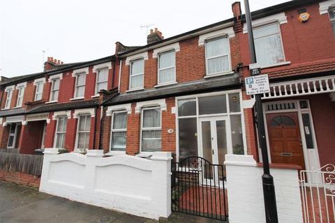 3 bedroom terraced house - Boundary Road, Wood Green, N22