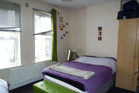 3 bedroom terraced house to rent - Warwards Lane, Selly Oak, Birmingham, B29 7QX