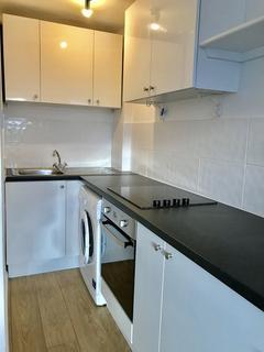 Studio to rent - Chesham Street, Brighton