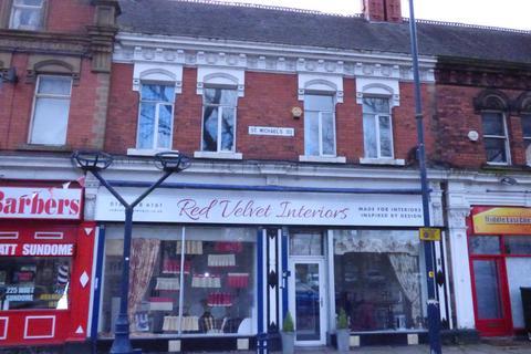 Property to rent - St Michaels Square, Ashton Under Lyne OL6