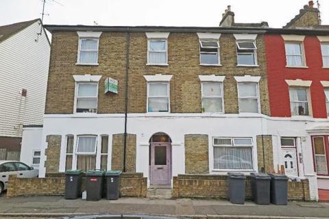 Studio to rent - Pellatt Grove, London