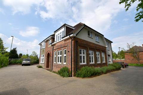 2 bedroom apartment to rent - Brighton Road, Banstead, Surrey