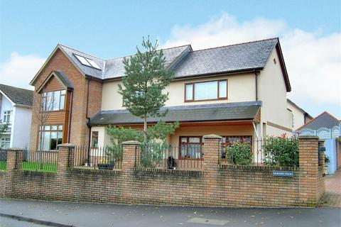5 bedroom detached house for sale - Llwyn Y Pia Road, Lisvane, Cardiff