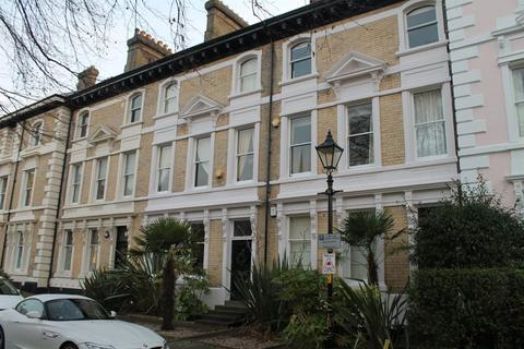 2 bedroom flat to rent - Princess Road East, New Walk