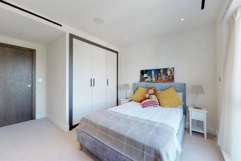3 bedroom apartment to rent - Golding House, 11 Beaufort Square, NW9 (FM)