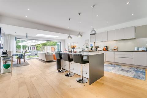 5 bedroom detached house to rent - Parke Road, Barnes, London