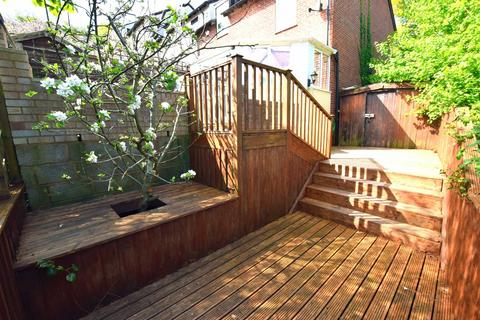 2 bedroom flat to rent - Exeter