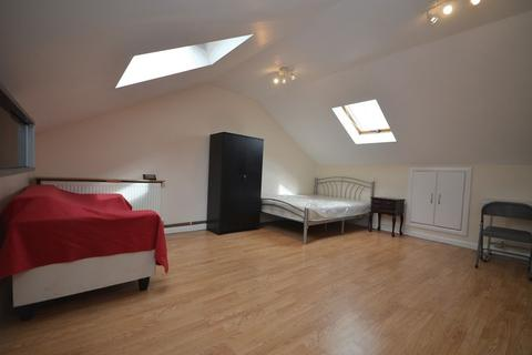 Studio to rent - Balaam Street, Plaistow, E13