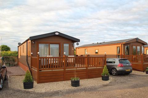 2 bedroom lodge for sale - The Lakes, Stonham Aspal, Stowmarket, IP14