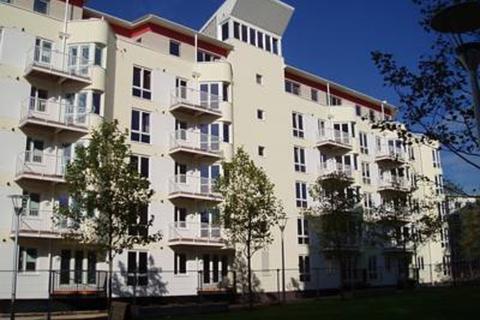 2 bedroom apartment to rent - Harbourside, The Crescent, BS1 5JP