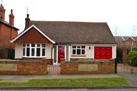 2 bedroom bungalow to rent - Blenheim Avenue, Stony Stratford
