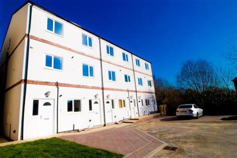 3 bedroom maisonette to rent - Wellington Court, Bradford, BD6 2TU