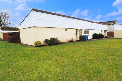 2 bedroom bungalow for sale - Glenapp Court, Kilwinning KA13