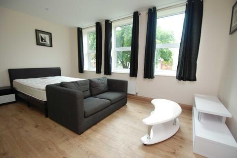 Studio to rent - St. Faiths Lane, Norwich