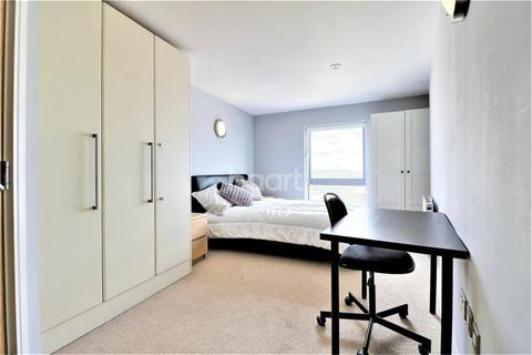 2 bedroom detached house to rent - Raphael House, IG1