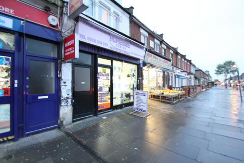 Property to rent - Romford Road, Manor Park, E12