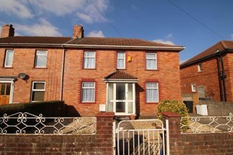 3 bedroom property to rent - Daventry Road, Knowle