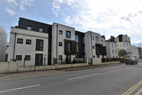 2 bedroom flat to rent - Sidney Lodge, Cheltenham