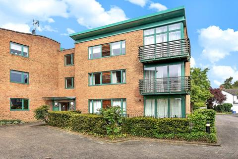 3 bedroom flat for sale - Queen's Gate, Five Mile Drive, North Oxford, Oxfordshire, OX2