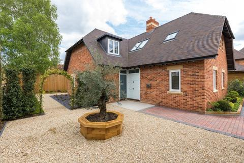 5 bedroom detached house for sale - Siskin House, Vale View, Cumnor Hill, Oxford, OX2