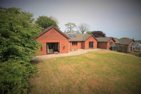4 bedroom bungalow for sale - Church Road, Gorslas