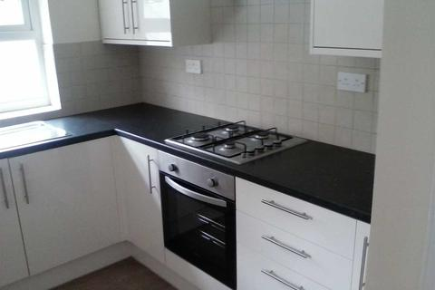 3 bedroom terraced house to rent - Miskin Road, Trealaw
