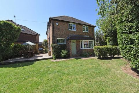 3 bedroom house for sale - Seymour Road, Godalming