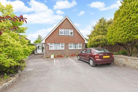 3 bedroom chalet for sale - Hoghatch Lane, Farnham