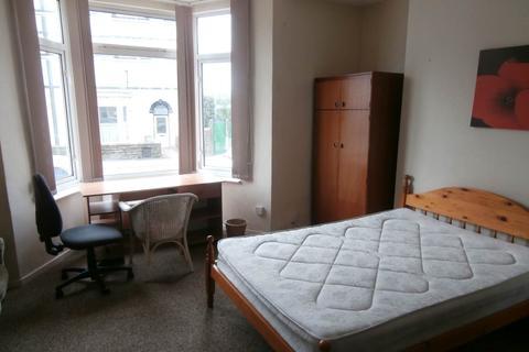 3 bedroom flat to rent - Bryn Road , Brynmill, Swansea