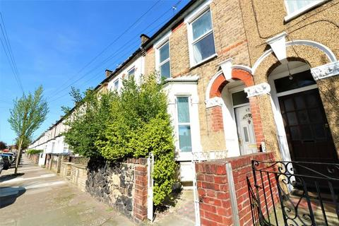 4 bedroom terraced house to rent - Newly Refurbished House to Rent