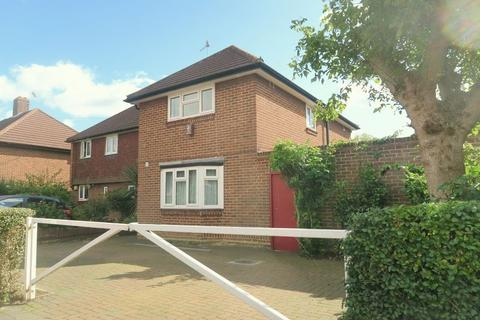 3 bedroom semi-detached house to rent - BEDFONT