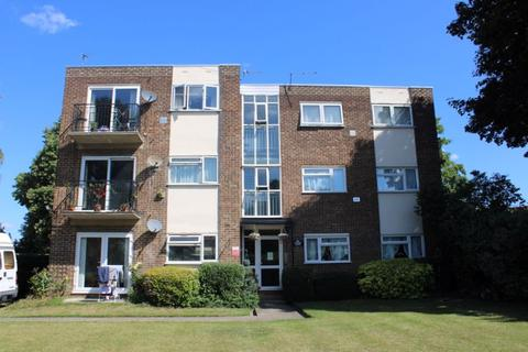 1 bedroom apartment - Staines Road, Feltham