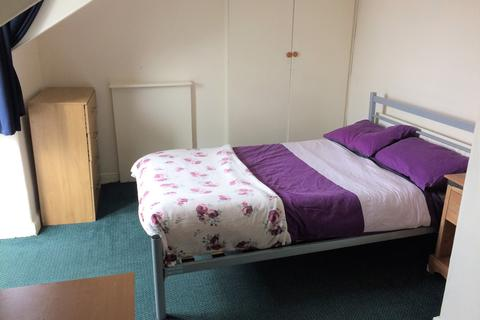 1 bedroom house share to rent - Delph Mount, Woodhouse,
