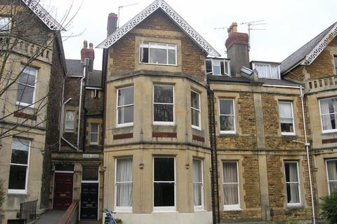 3 bedroom flat to rent - Eaton Crescent, Clifton