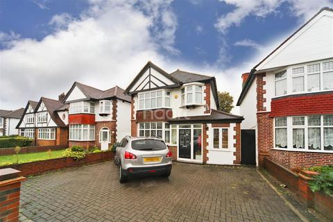 3 bedroom detached house to rent - Manor Drive North, KT4