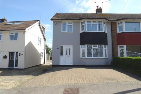 3 bedroom semi-detached house for sale - Benenden Road, Wainscott, Rochester